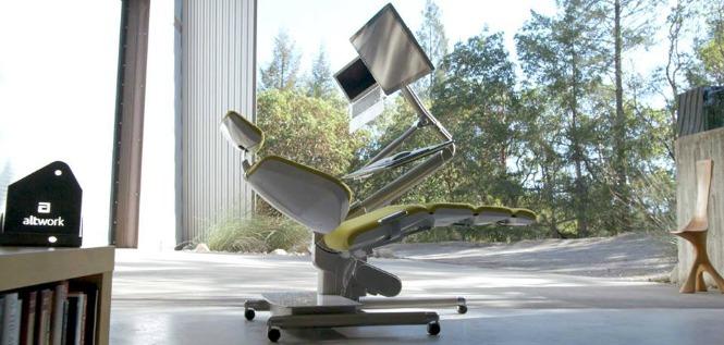 Savršen radni sto uz koji možete raditi i ležeći